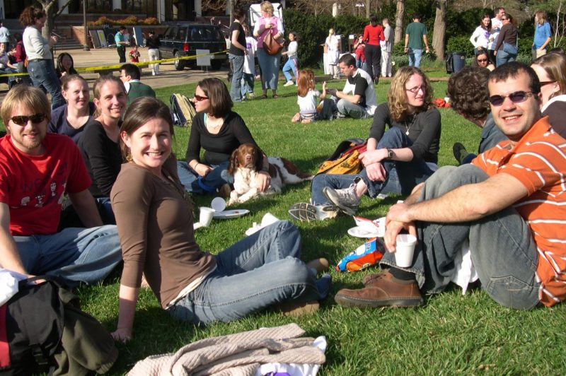 Students at a picnic on the Graduate Life Center lawn at Virginia Tech